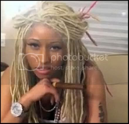 nicki minaj photo: Onieka Sexi As Hell Wow-Nicki-Minaj-Post-Pictures-Smoking-Cannabis-on-Twitter_zps965755cf.jpg